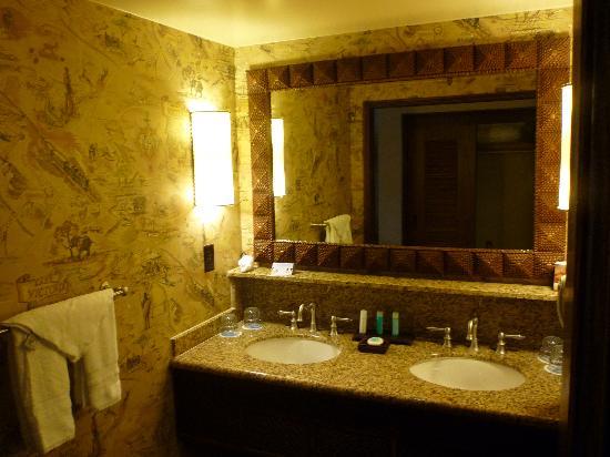 Disney's Animal Kingdom Lodge: Room wash area