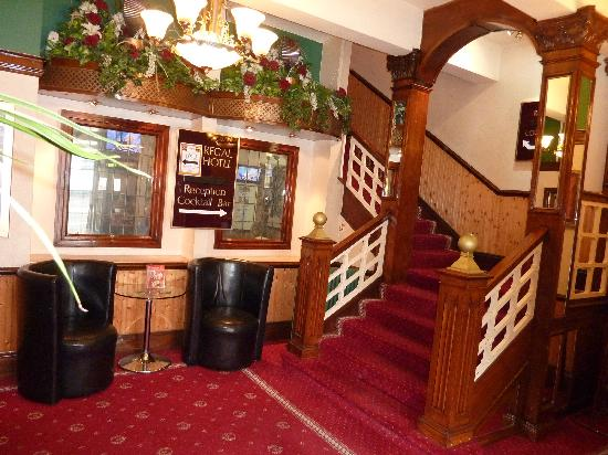 Thornton Cleveleys, UK: Regal Hotel first floor Lobby Staircase & LIFT to All Floors