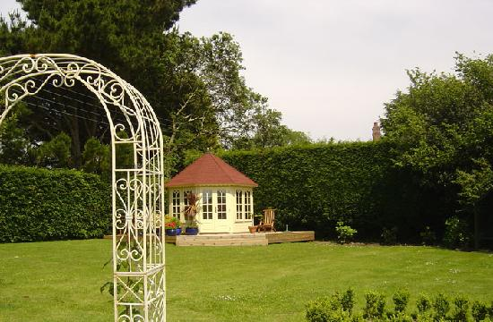 Hazelmere House: Summer House