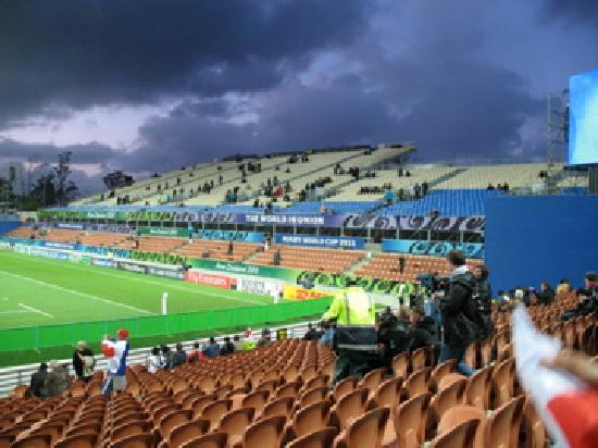 Waikato Stadium : Extra stands
