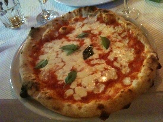 Spaccanapoli: pizza margherita