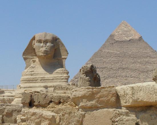 พีระมิดกีซา: Sphinx and Pyramids at Giza