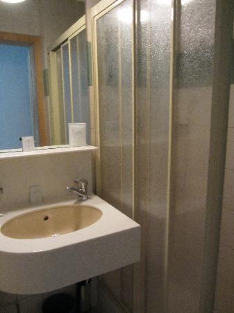 Hotel Arlette Beim Hauptbahnhof: Bathroom