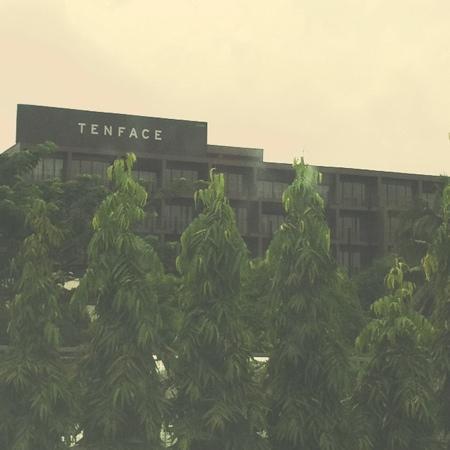 โรงแรมเท็นเฟซกรุงเทพฯ: TENFACE Bangkok
