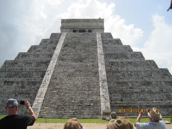 ชิเชนอิทซา: the pyramid one of the seven wonders