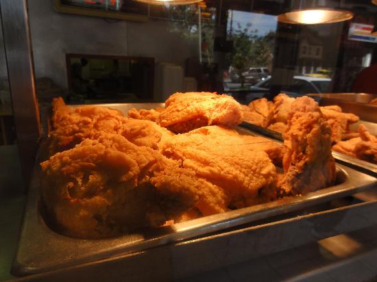 Indi's Fried Chicken: mmm mm good