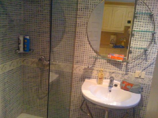 Paraiso Royal : Bathroom