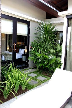 Banyan Tree Ungasan, Bali: The sun deck outside the villa
