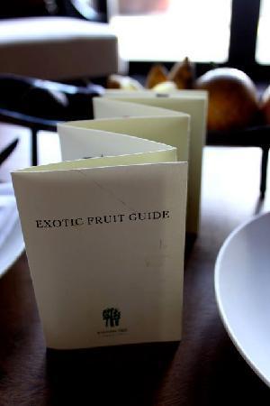 โรงแรมบันยันทรี อังกาซัน: The welcome fruit basket