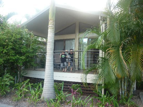 Gold Coast Holiday Park & Motel: front of our bangalow (room)