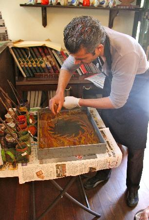 Caferaga Medresesi: Marbling demo by Coskun