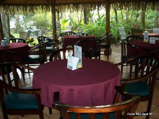 Canciones del Mar Boutique Hotel: Dining Pagoda