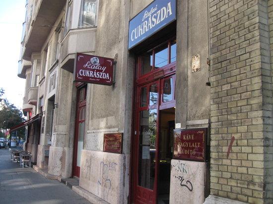 Szalai Cukraszda : facciata