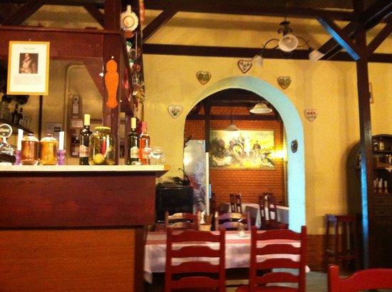 Huszar Restaurant: Inside of restaurant