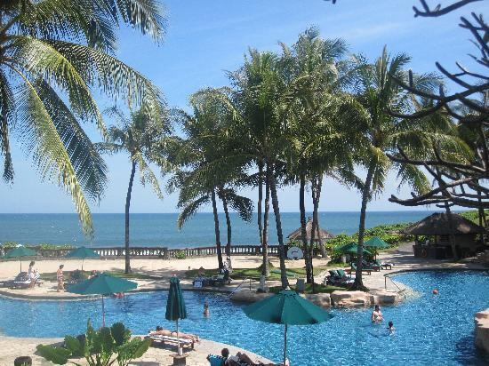 Pan Pacific Nirwana Bali Resort: One of the pools