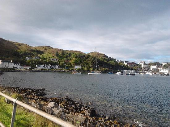 Western Isles Guest House: the 10 min walk to centre