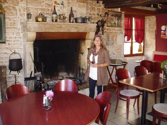 Auberge de l'Argentor : Some food cooken over hot embers in the fireplace.