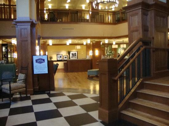 Breakfast area picture of hampton inn suites saratoga for Saratoga hotel in chicago