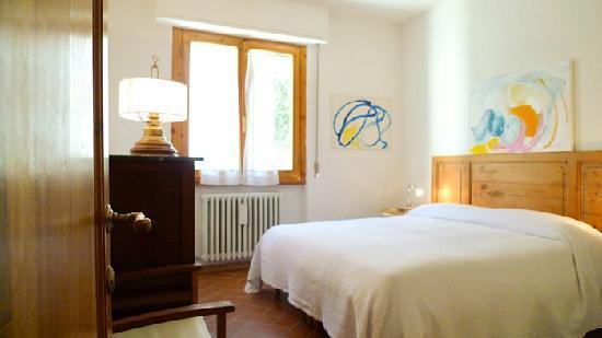 Casa il Pino: Camera matrimoniale