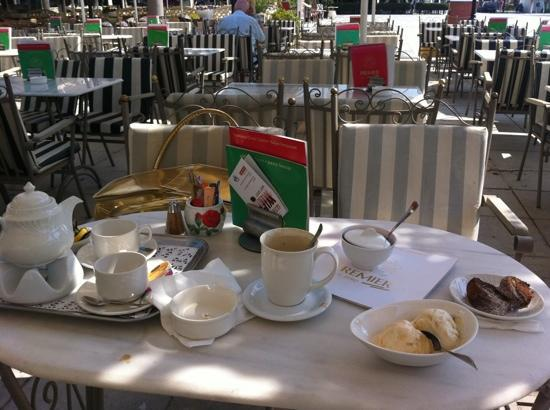 Premier Restaurant: our Tea, cappuccino & ice-cream