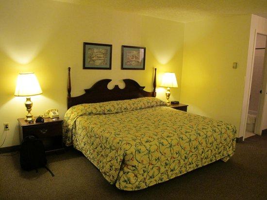 Travelodge Laramie: the bedroom