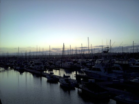 Panorama Bar & Grill: The view of the Marina at sunset