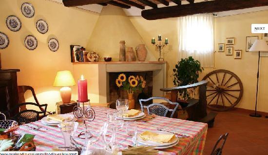 Casale Sodini: The Dining Room