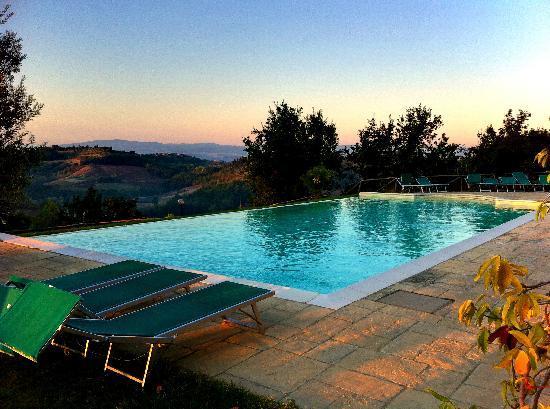 Le Fonti a San Giorgio: Zwembad met super uitzicht!