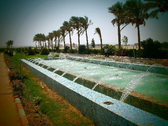 Harmony Makadi Bay Hotel & Resort: fountains