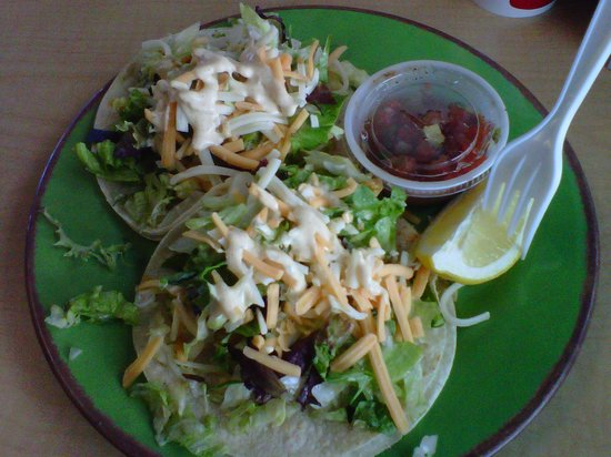 Lahainas: fish tacos
