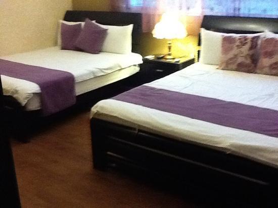 Hualien Sunrise Hostel: quad room