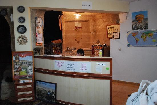 Dora Cave Hotel: Lobby