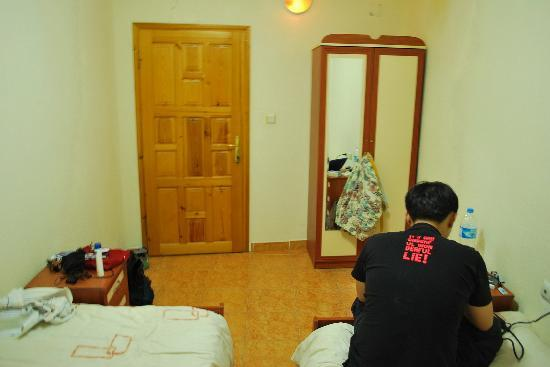 Dora Cave Hotel: Another view of the room