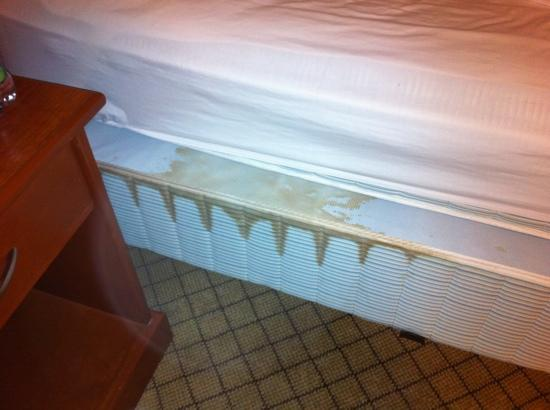 Days Inn - Moose Jaw: nice to see when you pull back the covers