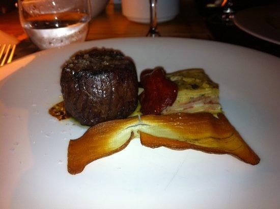 Alba Granados : sirloin steak with truffle butter and potato omlet
