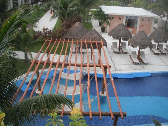 Excellence Playa Mujeres: hammock over pools fab!