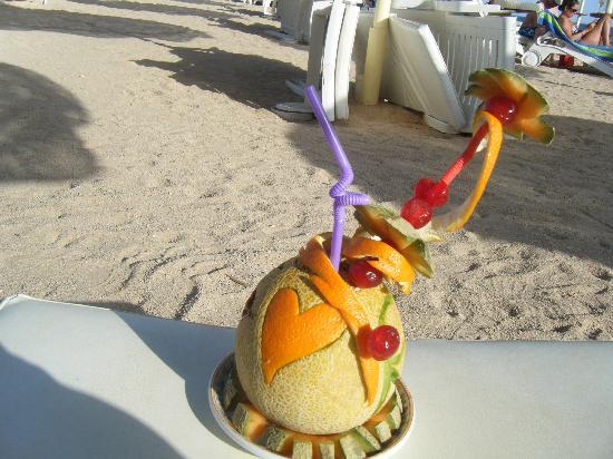 Baron Palms Resort Sharm El Sheikh: drink from beach bar.. wow