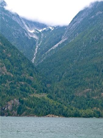 Toba Wilderness : Hanging Glacier