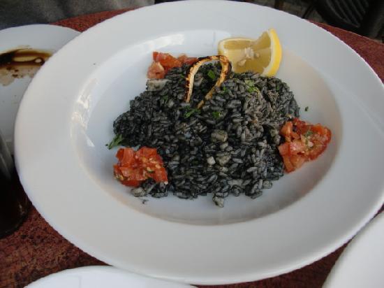 Ristorante Carmelita Pizzeria: black risotto with squid