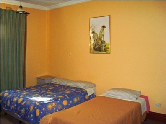 St. Leonards Mansions: Triple Bedroom