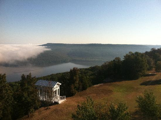 Lodge on Gorham's Bluff: More sunrise views