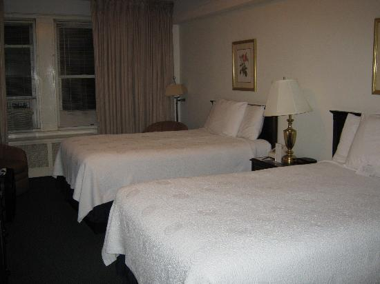 Salisbury Hotel: Nice Large Bedroom