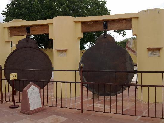 จันตาร์มันตาร์ (จัยปูร์): Inside the Jantar Mantar