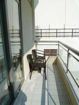 Angela Suites + Lobby: nice balcony