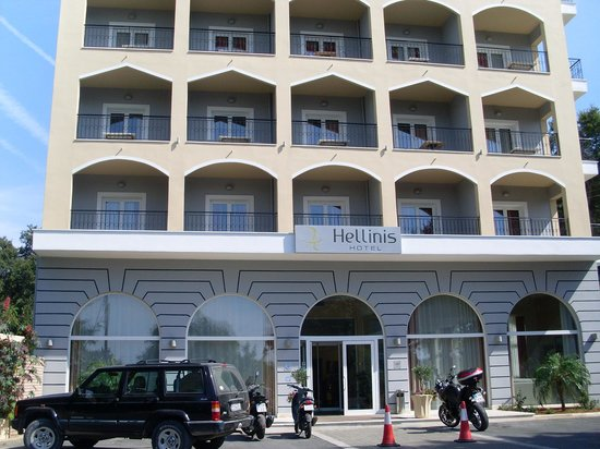 Hotel Hellinis Kanoni: Pleasantly surprised when arrived around the corner