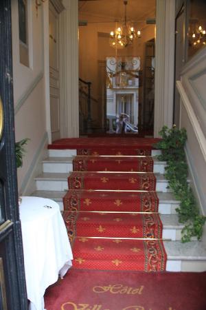 Entrance Hotel Villa Rivoli