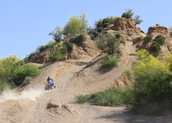 Full Throttle Power Sports Tours: BIG hill!