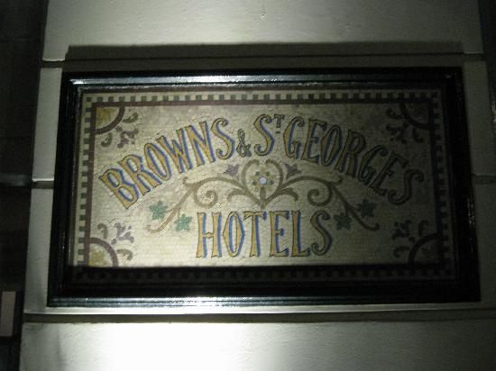 Brown's Hotel : tiled plaque