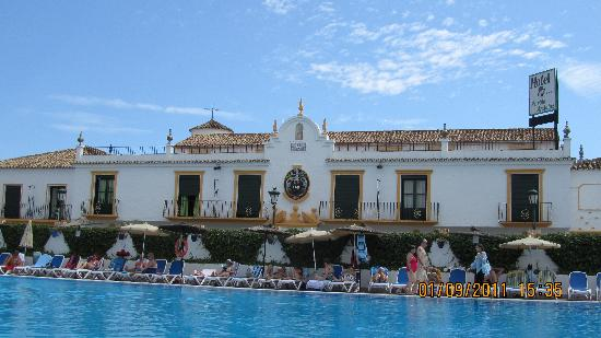 Globales Pueblo Andaluz: view of the hotel front