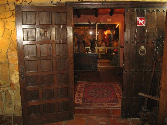Restaurante La Choza : portalón de entrada